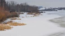 Mazurskie jeziora zaczyna skuwać lód