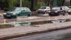 Podtopione ulice i zalane piwnice. Wielka ulewa przeszła przez Wrocław