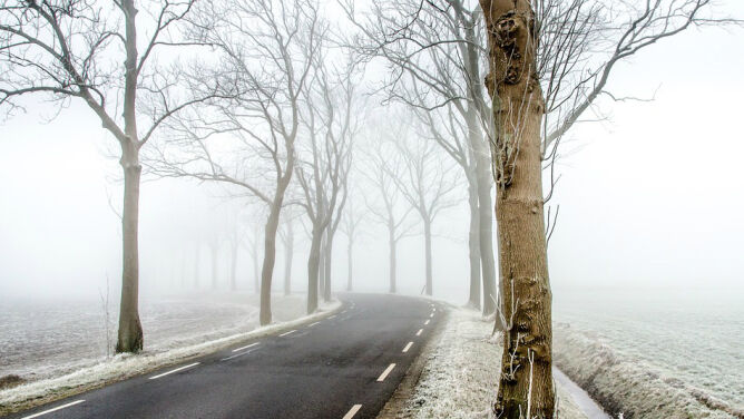 Lokalnie wiatr i śnieg utrudnią jazdę