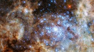 """Dziewięć gwiazd """"potworów"""". Są blisko wybuchu"""